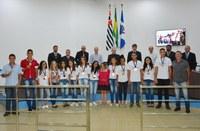 Homenagens e entrega de medalhas à atletas mirins é realizado na 30° Sessão Ordinária