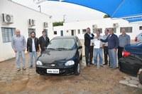 Câmara Municipal de Álvares Machado, entrega veiculo para Prefeitura